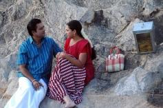 Vivek & Swetha still from Naan Than Bala Movie