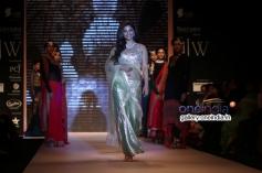 Konkana Bakshi walk for Gitanjali Gems at IIJW 2014