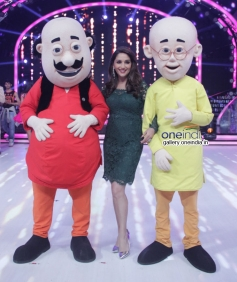 Madhuri Dixit with Nicktoon characters