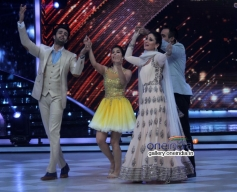 Manish Paul, Sophie Choudry, Kareena Kapoor, Ranvir Shorey