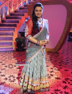 Parineeti and Aditya Roy Kapur promoted the movie on Zee TV's Eid Special Show Dawaat-E-Eid