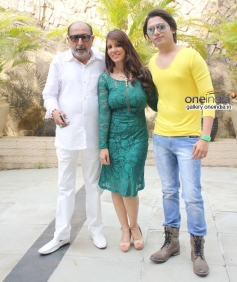 Tinnu Anand, Priti Sharma, Sidhant Singh