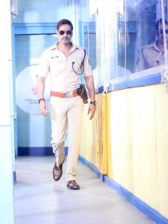 Ajay Devgan Promotes Singham Returns on the sets of CID