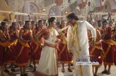 Meera Jasmine and Paarthi
