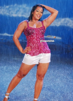 Meghna Naidu in Sikkapatte Istapatte