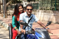 Soujanya and Jeeva in Kannada Movie Santhoshakke