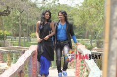 Deepika Das and Vijay in Kanji Pinji Love
