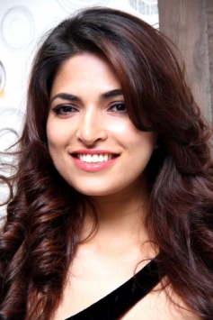 Parvathy Omanakuttan launches Toni and Guy Essensuals