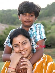Tara and Master Yashwanth in Kai Thuttu
