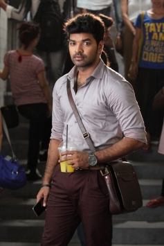 Jai still from Valiyavan Movie
