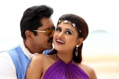 Sarath Kumar and Oviya Helen