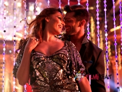 Bipasha Basu And Karan Singh Grover In Alone