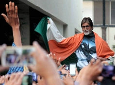 Amitabh Bachchan celebrates after India Victory