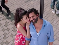 Akshay Kumar & Shruthi Hassan in Romantic Song