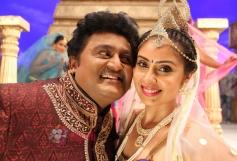 Komal and Banushree in Deal Raja