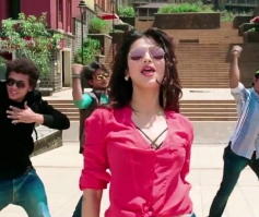 Shruthi Hassan in Coffee Peety Peety Song