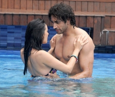 Evelyn Sharma, Navdeep Chhabra in Kuch Kuch Locha Hai