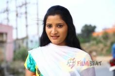 Actress Navya in 3K