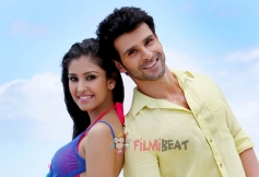 Navneet Kaur Dhillon & Girish Kumar in LoveShuda