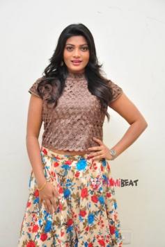 Soumya (New Telugu Actress )