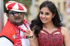 Komal & Banushree in Deal Raja