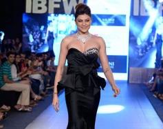 Sushmita Sen Walks at GIBFW 2015