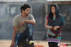 Nithya Menen & Dulquer Salmaan in Jathagaa