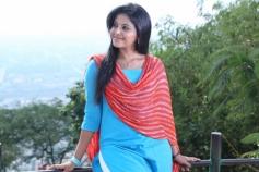 Anjali in Tamil movie Yevanda