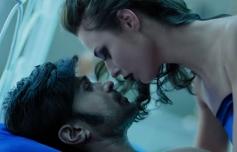 Himesh Reshammiya Farah Karimaee Romantic Scene from  Teraa Surroorr