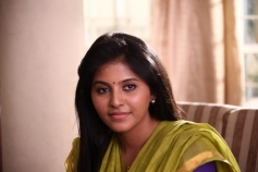 Tamil Actress Anjali Yevanda