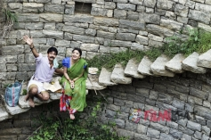 Kishore & Sonu Gowda in Kiragoorina Gayyaligalu