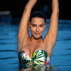 Neha Dhupia Dons a Bikini in Santa Banta Pvt Ltd