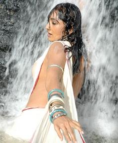 Ramya Sri in O Malli