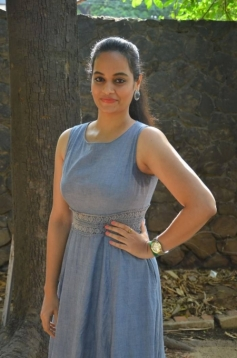 Suja Varunee At Kathadi Movie Audio Launch