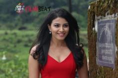 Kavya Shetty In Smile Please