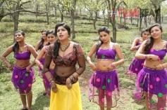 Naina Sarwar in Adra Machan Visilu
