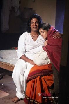 Shivaraj Kumar & Sanusha  in Santheyalli Nintha Kabira