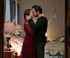 Kriti Kharbanda & Emraan Hashmi Kissing Scene from Raaz Reboot