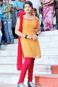 Lakshmi Devi Samarpinchu Nede Chudandi
