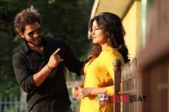Nidhi Subbaiah &  Praveen In 5G