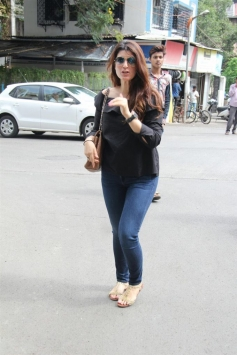 Twinkle Khanna Spotted At Bandra