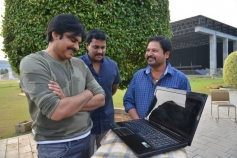 Pawan Kalyan Launched the Teaser of Sunil and N Shankar's Two Countries