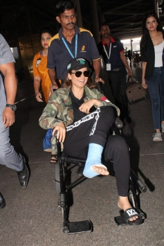 Kangana Ranaut Injured On Manikarnika Set , Spotted At Airport