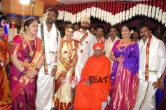 Loose Mada Yogesh Weds Sahithya Photos