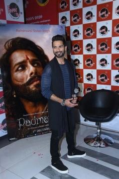 Shahid Kapoor Promotes Padmavati Movie At Radio City