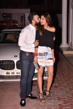 Shilpa Shetty & Raj Kundra Spotted Outside Their House On There Wedding Anniversary