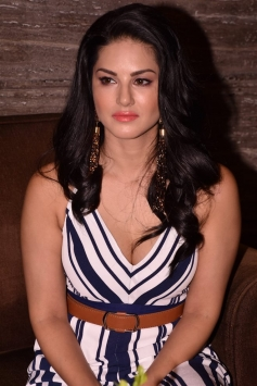 Sunny Leone & Arbazz Khan At Tera Intezaar Press Meet