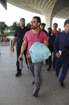 Aamir Khan Spotted At Mumbai Airport