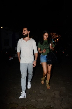 Shruti Hassan With Boyfriend Spotted At Party Hunters Bandra
