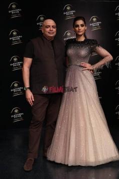 Sonam Kapoor Walks The Ramp At Blenders Pride Fashion Tour 2017